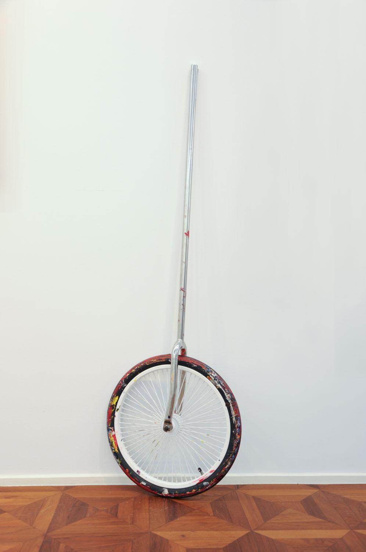 Hings Lim - Bicycle Wheel II, 2016 [153x50x16cm] acrylic paint, bicycle wheel, tyre, stainless steel